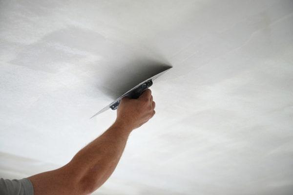 Comment procéder pour la rénovation d'un plafond ?